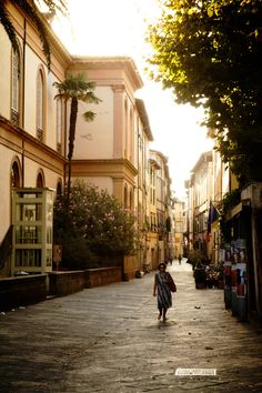 Lucca, Italy. In 8 months So gorgeous, I would love to honeymoon/vacation in Italy!!