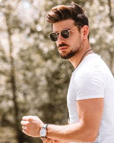 So excited to wear my new Sunglasses 🕶 . Thessaloniki, Gentleman, Eyewear, Pilot, Mens Sunglasses, Mens Fashion, Hair Styles, How To Wear, Eye Glasses