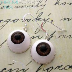 Tilaa korut halloweeniin http://urly.fi/9Zz #halloween #eyeballjewelry #scary #silmämunakorut