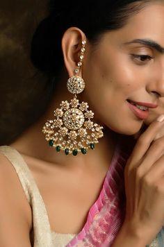 Vidhi Gold Tone Kundan With Pearls And Green Stone Earrings Indian Jewelry Earrings, Jewelry Design Earrings, Indian Wedding Jewelry, Bridal Earrings, Bridal Jewelry, Indian Bridal, Pakistani Jewelry, Jewelery, Shell Jewelry