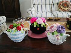 Teapot covers :) Teapot Cover, Tea Pots, Tea Pot, Tea Kettles