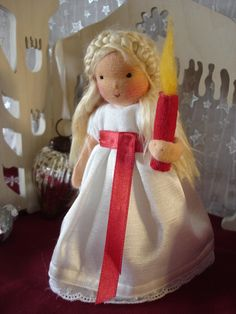 Lucia Zwergenwelt Swedish Christmas, Scandinavian Christmas, Winter Christmas, Christmas Time, Christmas Crafts, Christmas Ornaments, St Lucia Day, Frozen Dolls, Wooden People