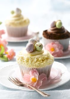 Creamy Vanilla and Double Chocolate Easter Cupcakes Mini Cakes, Cupcake Cakes, Cupcake Toppers, Easter Cupcakes, Easter Celebration, Easter Holidays, Easter Treats, Easter Recipes, Easter Eggs