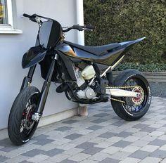 Ktm Dirt Bikes, Cool Dirt Bikes, Ktm Supermoto, Ducati Hypermotard, Moto Bike, Motorcycle Bike, Motorcross Bike, Motorcycle Wallpaper, Dirtbikes