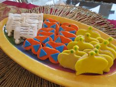 Amazing Purim Cookies!   Delicious and Beautiful cinnamon Sugar cookies covered by colorful fondant!   A MUST for purim!!