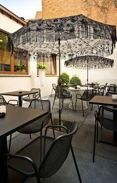 Cafe Dekorasyonu, Otel Dekorasyonu ve Restoran Dekorasyonu için ihtiyacınız olan Kaliteli Şemsiye modellerini Lara Concept 'de bulabilirsiniz ✌️️ Yandan direkli şemsiye, yandan gövdeli şemsiye, yandan dirsekli şemsiye, yandan ayaklı şemsiye, kaliteli bahçe şemsiyesi modelleri, yabancı bahçe şemsiyeleri, bahçe şemsiyesi fiyatları, bahçe şemsiyesi modelleri, bahçe şemsiyesi markaları, dekorasyon, bahçe mobilyası, bahçe dekorasyonu, cafe tasarımı, cafe malzemeleri, cafe konseptleri