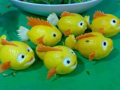 Lemons into fish cute Food Art Vegetable Animals, Fruit Animals, Buffet Party, Deco Fruit, Lemon Fish, Food Sculpture, Fruit Sculptures, Animal Sculptures, Creative Food Art