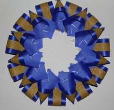 Homecoming Mum or Garter Backer for Inch Flower - Point and Horizontal Loop - Roller Derby Homecoming Mums Senior, Homecoming Garter, Homecoming Corsage, Homecoming Dresses, Homecoming Spirit, Diy Christmas Crackers, Christmas Diy, Floral Design Classes, Football Mums