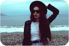 batom, escuro, cabelo, longo, chapéu,