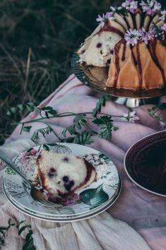 VLÁČNÁ CHEESECAKE BÁBOVKA S BORŮVKAMA   Mon Café Blog Cheesecake, Food Photography, Gardening, Baking, Blog, Cheesecakes, Lawn And Garden, Bakken, Blogging