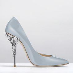 """The sky blue Ralph & Russo 'Eden' heel pumps available for pre-order via our @harrods boutique or email enquiries@ralphandrusso.com #ralphandrusso…"""