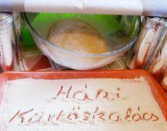 Filléres házi kürtöskalács! Ha ezt megkóstolod, soha többé nem veszel karácsonyi vásáron aranyáron utánzatot! - Bidista.com - A TippLista! Cantaloupe, Fruit, Recipes, Dios, Kuchen, Recipies, Ripped Recipes, Cooking Recipes