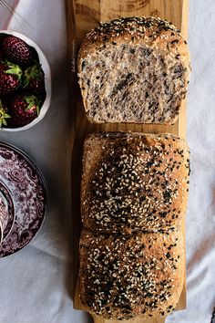 Whole wheat tin loaf with candied lemon and black sesame seeds. Made with whole wheat flour, with coconut milk, Greek yogurt and honey. Pan Bread, Bread Baking, Oven Recipes, Bread Recipes, Tin Loaf, Best Bread Recipe, Whole Grain Bread, Dessert, Homemade
