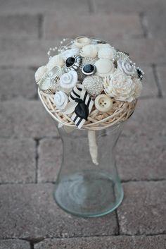A(z) 7 legjobb kép a(z) bross csokor   brooch bouquet táblán ... b9d01c2ec7