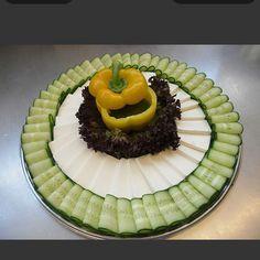 Appetizer platter. Cucumber and feta cheese Ukrainian Recipes, Russian Recipes, Ukrainian Food, Snack Recipes, Cooking Recipes, Snacks, Buffet, Party Platters, Veggie Tray