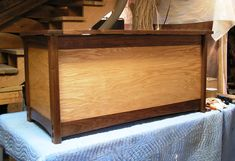 Cedar Blanket Chest Plans Free Greene Wood Blanket Chest Plans Wooden Blanket Box Ikea Hope Chest Wood Red Oak Walnut Through Mortsen And Tenon Finish Clear Hand Blankets Wooden Blanket Chest Woodworking Table Plans, Woodworking Supplies, Workbench Plans, Fine Woodworking, Wooden Blanket Box, Wooden Trunks, Wood Magazine, Types Of Furniture, Modern Furniture