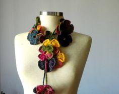Uncinetto sciarpa lariat infinito, scaldacollo grosso a mano, accessori per donna colori d'autunno, moda autunno inverno, idea regalo di San Valentino