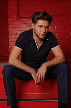 Image uploaded by Directioner. Find images and videos about one direction, red and niall horan on We Heart It - the app to get lost in what you love. Niall Horan Baby, Naill Horan, Red Aesthetic Grunge, Aesthetic Girl, Aesthetic Vintage, Irish Boys, Irish Men, James Horan, Foto One