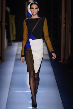 Roland Mouret - the color combination reminds me of one the Celine Trapeze Bags!