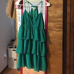 Cute ruffle dress Never worn Dresses