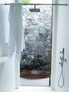 Indoor outdoor Shower. Beach House. Photos: Gaëlle Le Boulicaut  Outdoor Shower Curtain