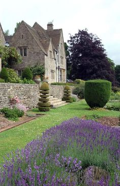 Cotswold Farm gardens  Cirencester