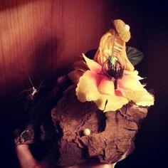 FATINA su legno piccolo con pietra AGATA BIANCA