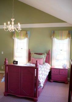 50 Exuberant Girls Bedroom Ideas for Modern Living Girls Daybed Room, Desk For Girls Room, Girls Room Curtains, Small Room Bedroom, Small Rooms, Girl Room, Girls Bedroom, Kids Rooms, Childrens Bedroom