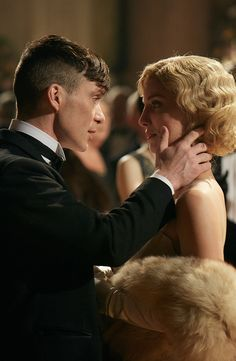 Cillian Murphy & Annabelle Wallis in Peaky Blinders Peaky Blinders Grace, Peaky Blinders Tv Series, Peaky Blinders Season 5, Peaky Blinders Poster, Peaky Blinders Wallpaper, Peaky Blinders Quotes, Peaky Blinders Thomas, Cillian Murphy Peaky Blinders, Movie Couples
