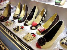 chocolate heels Delicious Chocolate Wedding Favors