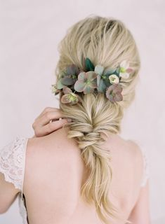 Floral infused wedding hairstyle: Photography: Jen Huang - JenHuangPhoto.com Read More on SMP: http://www.stylemepretty.com/2017/04/18/bridal-session-posing-guide/