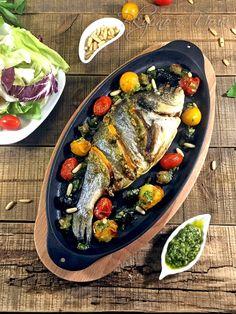 Ципура по средиземноморски Queens Food, Bulgarian Recipes, Starters, Cobb Salad, Salmon, Main Dishes, Seafood, Favorite Recipes, Pasta