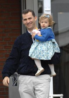 Spain's future queen through the years ~ Leonor and father Felipe visit the Ruber Clinic in Madrid after Letizia gives birth to Princess Sofia, May 2007