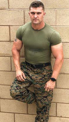 Thirst n Howl Hot Army Men, Sexy Military Men, Hot Cops, Hunks Men, Men In Uniform, Athletic Men, Good Looking Men, Muscle Men, Haircuts For Men