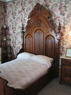 https://flic.kr/p/ck67G | Victorian Bed | This mattress was made of horse hair.