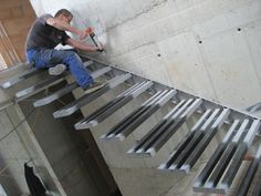 Nearly finish, this little stone staircase leading to the cellar. Stair Railing Design, Home Stairs Design, Interior Stairs, Steel Stairs Design, Concrete Stairs, Wood Stairs, House Stairs, Cantilever Stairs, Building Stairs