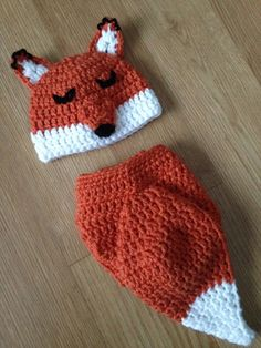 Adorable sleeping baby fox hat and fluffy tail diaper cover. Perfect newborn photo prop. Newborn size only.