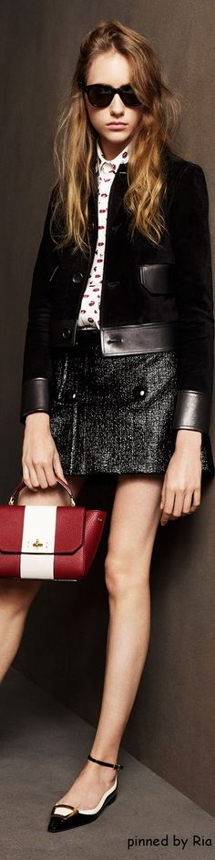 Bally Pre Fall 2016 l RiaBecome a Modular Co-Creation Partner today: info@koonn.org Because everyday is different we created a modular concept: WWW.KOONN.COM Fashion Walk, High Fashion, Fashion Looks, Fashion 2016, Fashion Trends, Cool Style, My Style, Black White Red, Fashion Seasons