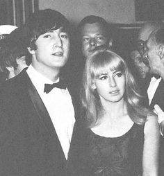 Discovered by maria eugenia. Find images and videos about john lennon and cynthia powell on We Heart It - the app to get lost in what you love. Julian Lennon, The Beatles 1, El Rock And Roll, Jane Asher, The Fab Four, Wife And Girlfriend, Ringo Starr, Linda Mccartney, Step Kids