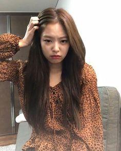 Kim Jennie, Kpop Girl Groups, Kpop Girls, Korean Girl, Asian Girl, Kim Jisoo, Black Pink Kpop, Chiffon Ruffle, Blackpink Photos