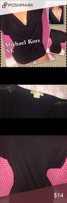 Michael Kors MK XL flowy top Michael Kors  Zipper on each shoulder Blouse lose black top Gently used Pet/smoke free Hole/stain free ❤️I gladly bundle KORS Michael Kors Tops Blouses