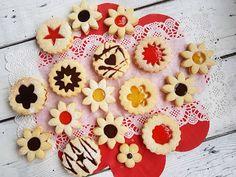 виЕЛИца от вкусове: Линцерови сладки с нишесте Bulgarian Recipes, Bulgarian Food, Biscotti, Cupcakes, Sugar, Cookies, Desserts, Crack Crackers, Tailgate Desserts