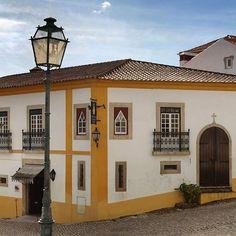 #hotelrealdobidos #obidos #walkinginobidos #welcome #streets #portugal #oeste #westregionofportugal #fountain #goforawalk #obidoscastle #tourism #hotel #fourstars #hollidays #boutiquehotel #placetovisit #destination #happytime #sogood #perfectfortwo #bomdia #goodmorning #vacations #ferias #romanticdestination #charme #oestealive #portugal_de_sonho #portugalalive #placetovisit