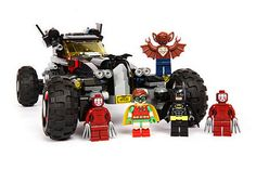 Since its first announcement at the end of 2015, The LEGO Batman Movie has had fans guessing what we would get as a film, but more importantly for builders and Super Hero collectors, what would the accompanying sets be like? The LEGO Movie sets in my opinion were a mixed bag. It had some real classics like Benny's Spaceship, and even the cheapest two sets were quite good - but it also had a variety of dull filler.