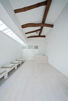 case-real: white dormitory for il vento