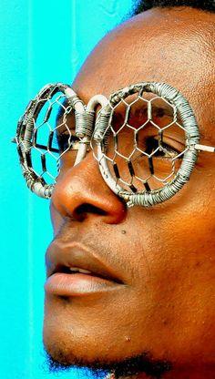 Brillekunst. Funky Glasses, Types Of Glasses, Eye Glasses, Four Eyes, Afro Punk, Headgear, African Art, Sunglasses, Sunnies