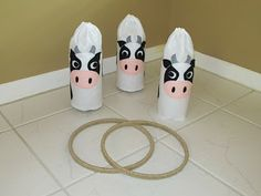 GAMES - Cowboy or farm animal theme: Cow Ring Toss cover 2 litre bottles with white felt, add cow face. Fill bottles with sand and let the cowboys lasso them with embroidery hoops covered in hemp yarn. Farm Animal Party, Farm Animal Birthday, Cowboy Birthday, Farm Birthday, Birthday Cake, Cowboy Theme, Cowgirl Party, Western Theme, Western Games