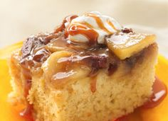 Warm Caramel Apple Cake from Tablespoon. http://punchfork.com/recipe/Warm-Caramel-Apple-Cake-Tablespoon