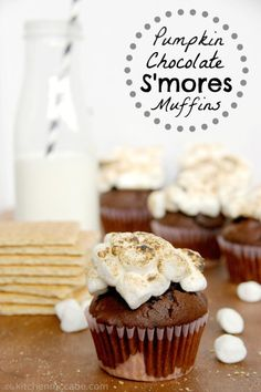 Soft chocolate pumpkin muffins with a graham cracker bottom and a toasted marshmallow top. Pumpkin Recipes, Fall Recipes, Sweet Recipes, Just Desserts, Dessert Recipes, Pumpkin Butter, Toasted Marshmallow, Pumpkin Spice Cupcakes, Yummy Cupcakes