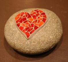 My daughter found a rock shaped like a heart, maybe I will mosaic on top of it. Rock Mosaic, Mosaic Stones, Mosaic Rocks, Pebble Mosaic, Mosaic Glass, Mosaic Art Projects, Mosaic Crafts, Mosaic Ideas, Mosaic Designs